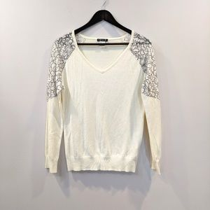 VENUS Sweaters - Venus Medium beautiful cream sweater with lace